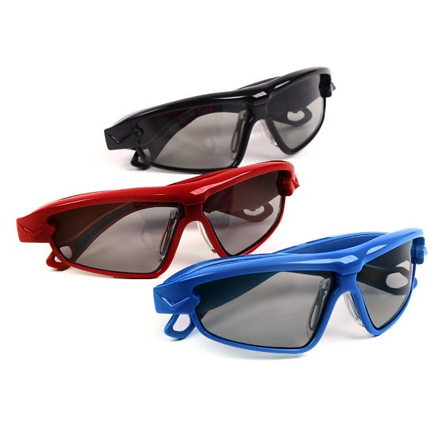 色は3色(メタリック・ブラック、ジュニア・レッド、ジュニア・ブルー)