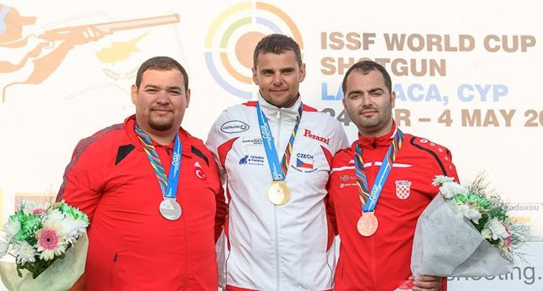 Mr. Kostelecky 射撃WC優勝in Cyprus